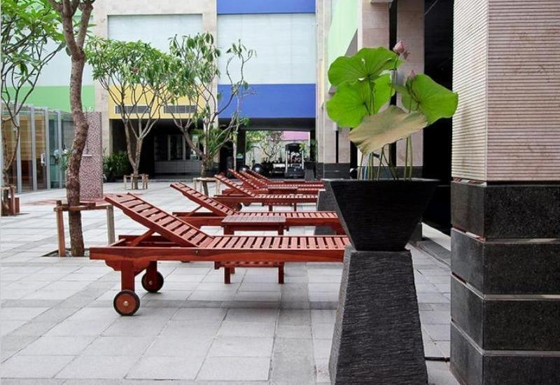 FM7 Resort Hotel Jakarta - Relax Area