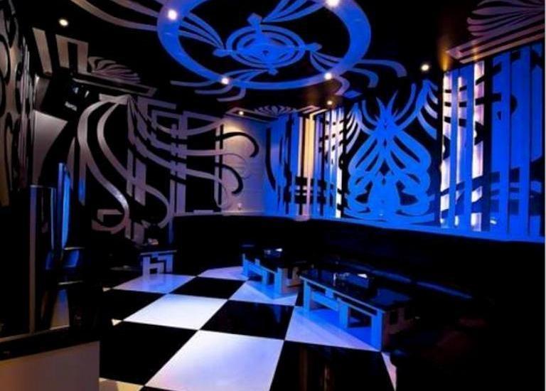 FM7 Resort Hotel Jakarta - Karaoke Room
