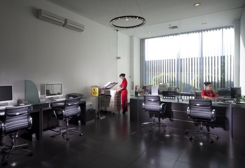 FM7 Resort Hotel Jakarta - Hotel Office
