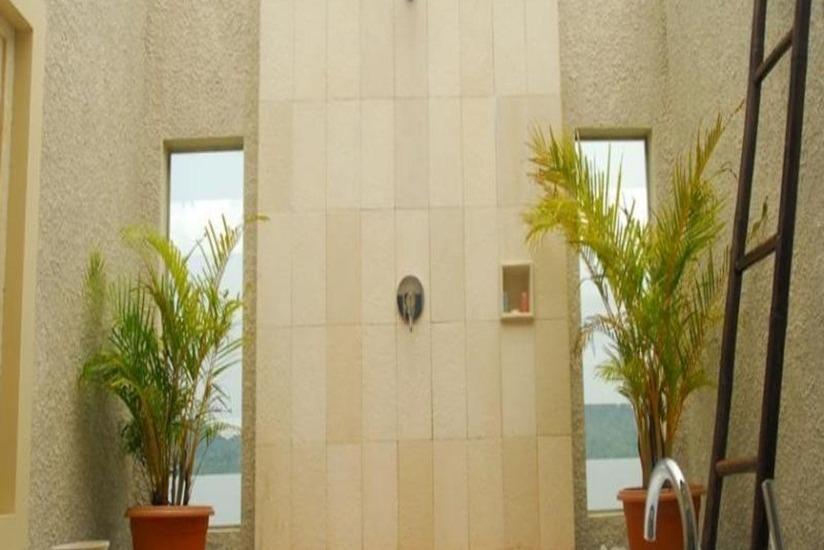 Natsepa Resort Ambon - Kamar mandi