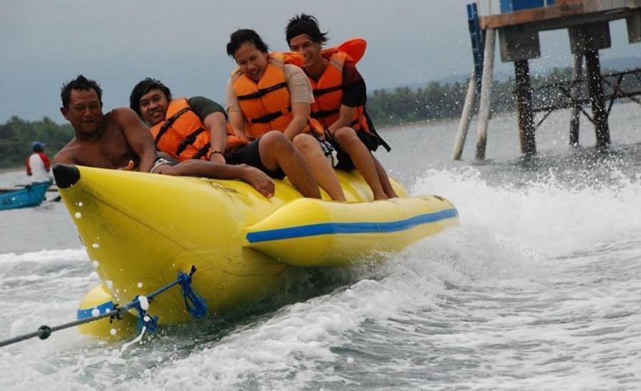 Beach Corner Pangandaran - Perahu pisang