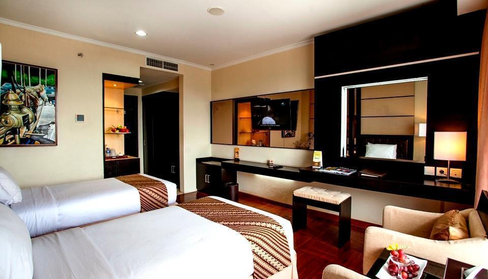 Ros In Hotel Yogyakarta - DELUXE ROOM ONLY Regular Plan