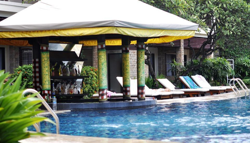 Best Western Resort  Kuta - Bar kolam renang