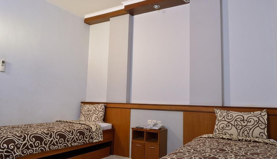Uny Hotel Yogyakarta - Superior Room