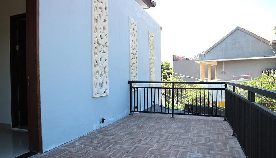 Tri Homestay Bali - Teras