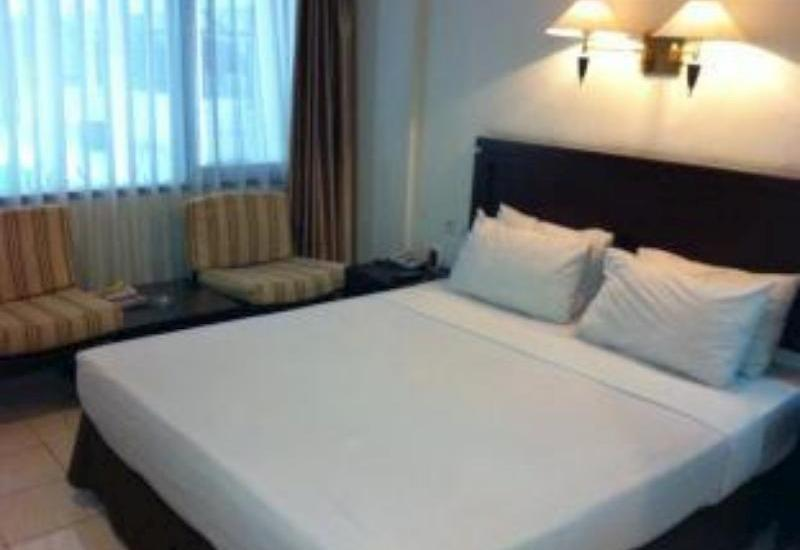 Hotel Guntur Bandung - Superior Room With Breakfast Regular Plan