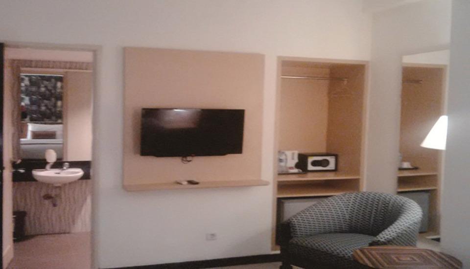 Hotel Jusenny Jakarta - Living Room (Deluxe Room)