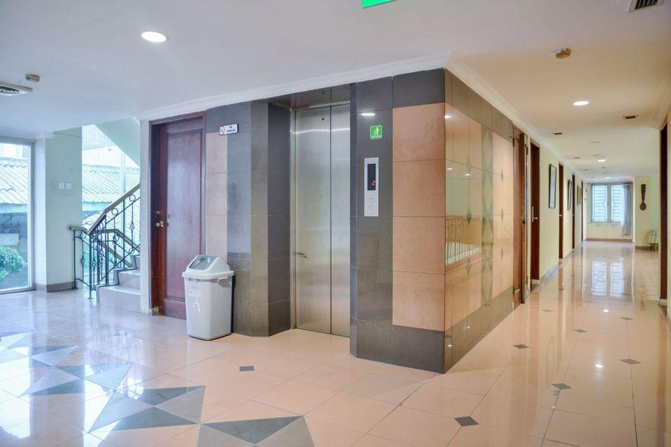 Hotel Jusenny Jakarta - Lift