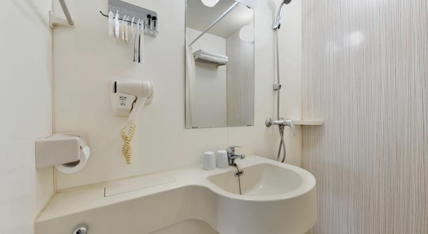 Zodiak Paskal Hotel Bandung - Bathroom