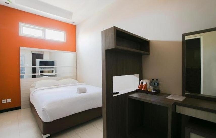 Ardhya Guest House Surabaya - Double Bed