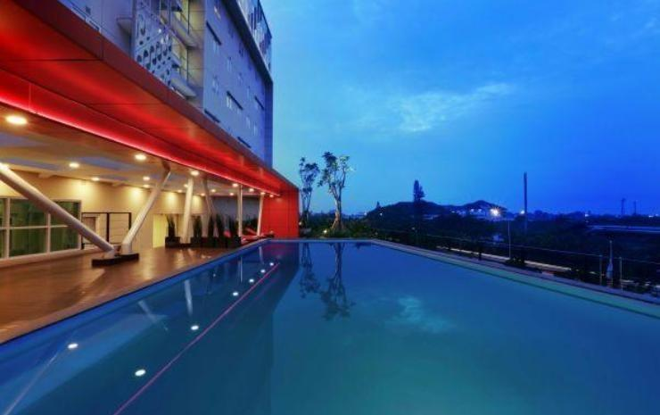 Grand Cordela Hotel Bandung - Swimming Pool
