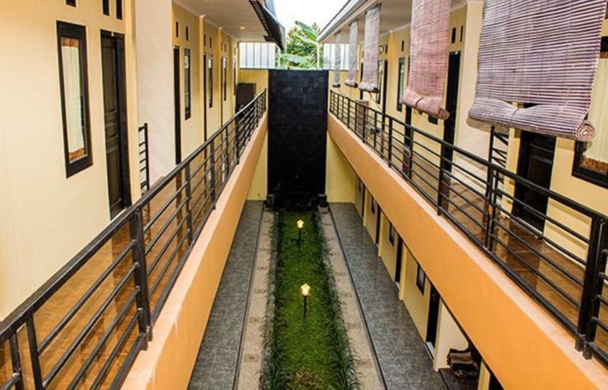 Penginapan Asiera Banyuwangi - Balcony