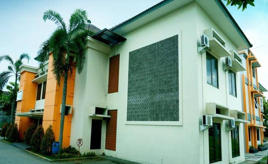 Assalam Syariah Hotel Solo Solo - Tampilan Luar Hotel