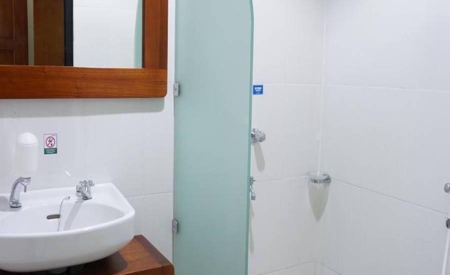 Assalam Syariah Hotel Solo Solo - Kamar mandi