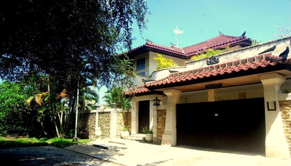 Villa Tentram Puri Gading