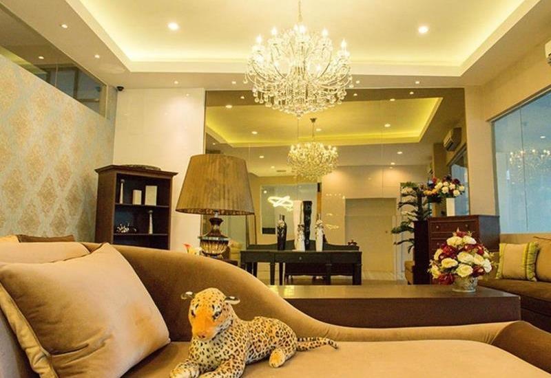 The Luxe Guest House Balikpapan - Lobi