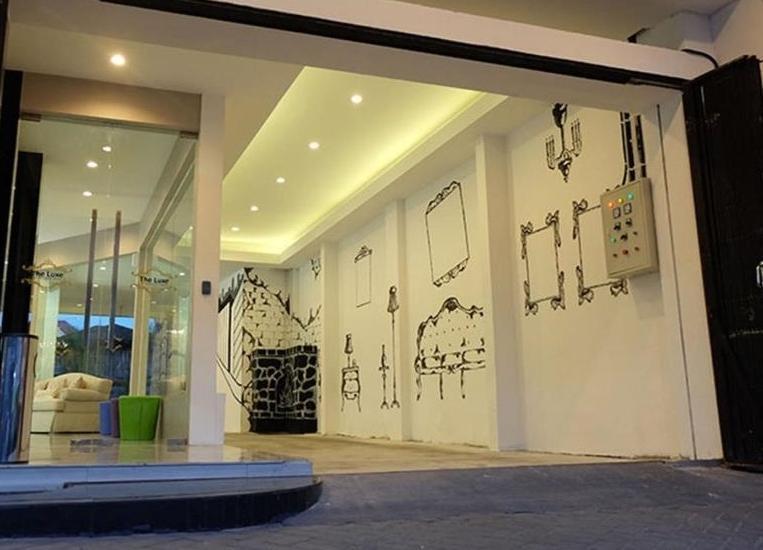 The Luxe Guest House Balikpapan - Pintu Masuk