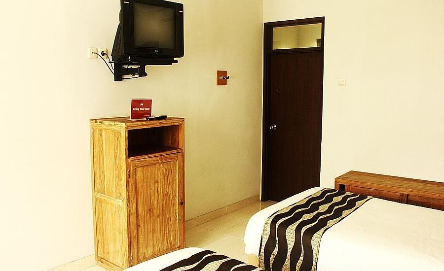 ZenRooms Sukajadi Sindang Sirna - Double Room Only Regular Plan