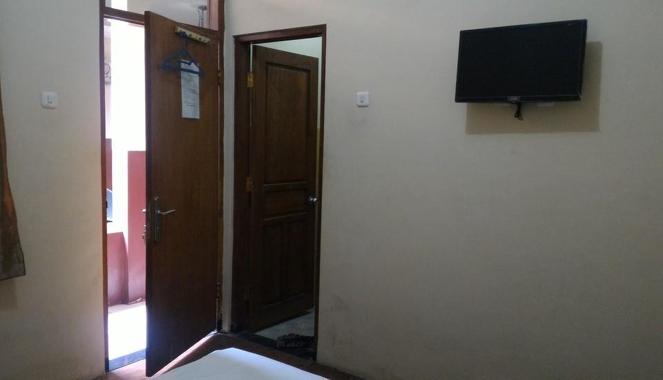 Guest House Punokawan Solo - Room A Single Regular Plan
