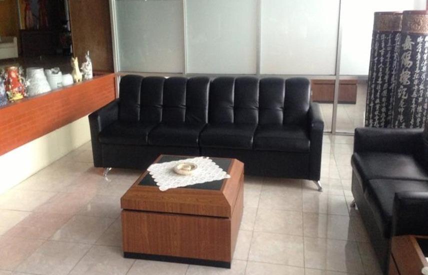 Hotel & Restaurant Bandung Permai Jember - Ruang tamu