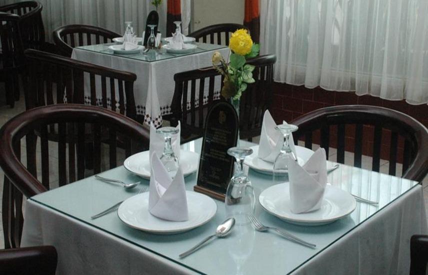 Hotel & Restaurant Bandung Permai Jember - Restoran