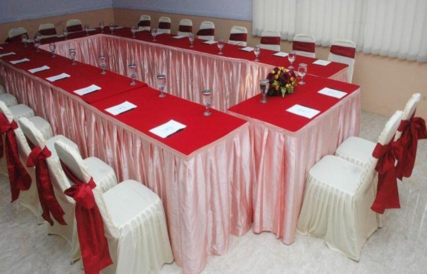 Hotel & Restaurant Bandung Permai Jember - Ruang Rapat