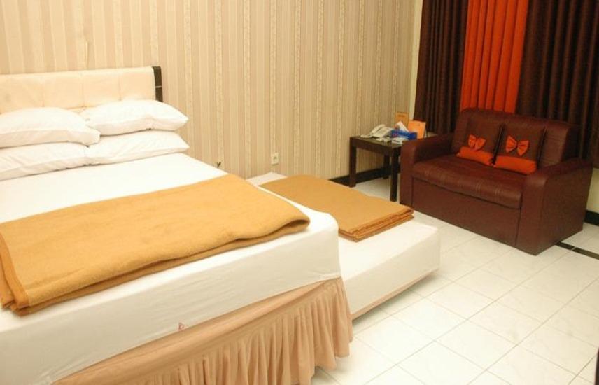 Hotel & Restaurant Bandung Permai Jember - Superior Room Regular Plan