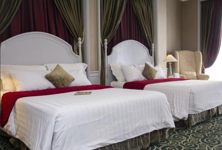 GH Universal Hotel Bandung - Deluxe Double Queen