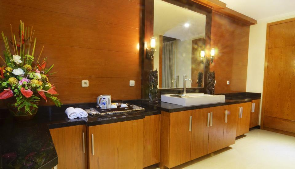 Kori Maharani Villas Bali - Area kamar mandi