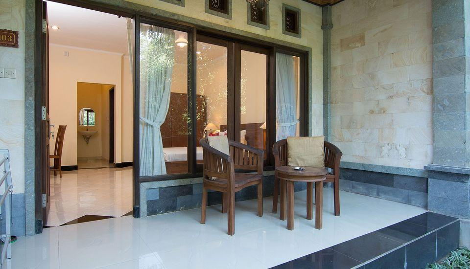ZenRooms Ubud Jatayu Bali - Teras
