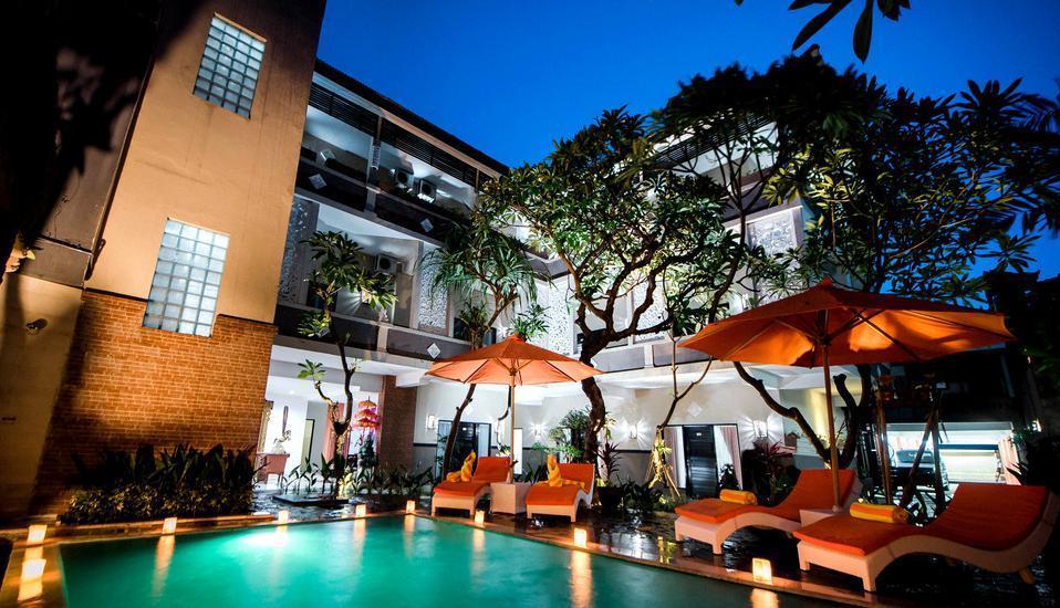 Grand Pudjawan Hotel Bali - kolam renang