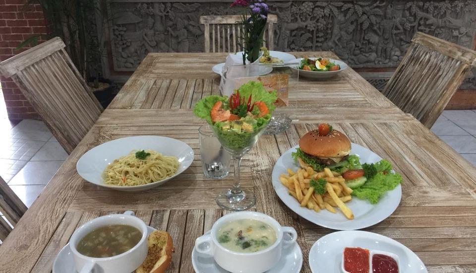 Grand Pudjawan Hotel Bali - Makanan