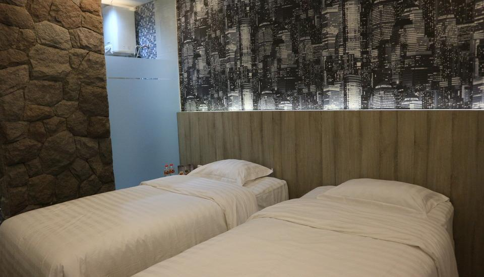 Mitra Guest House Jember - Superior Room Only Regular Plan