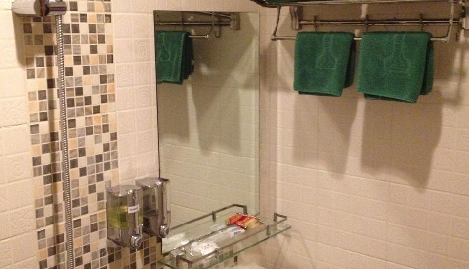 Twins Hotel Mangga Dua - Kamar mandi