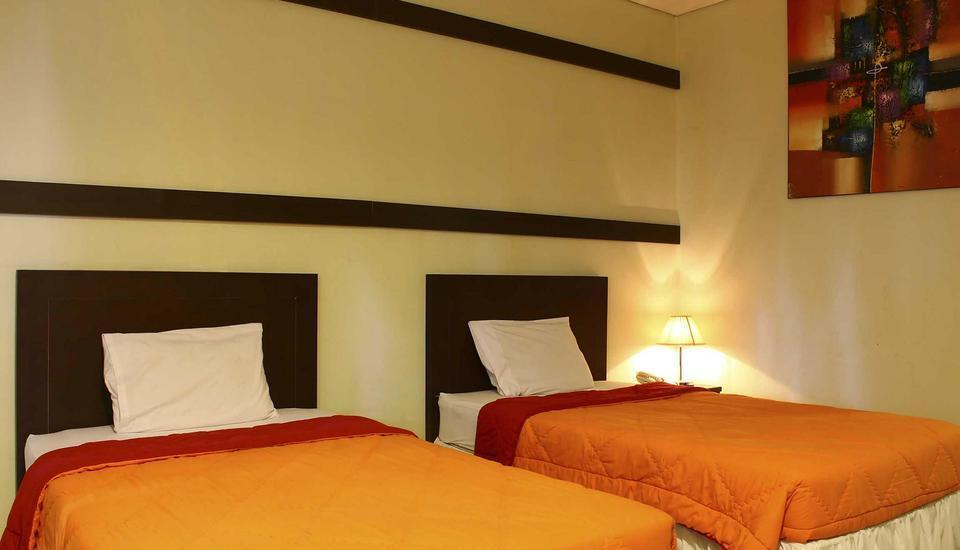 Bumi Cikeas Resort Bogor - Deluxe Room twin  Regular Plan