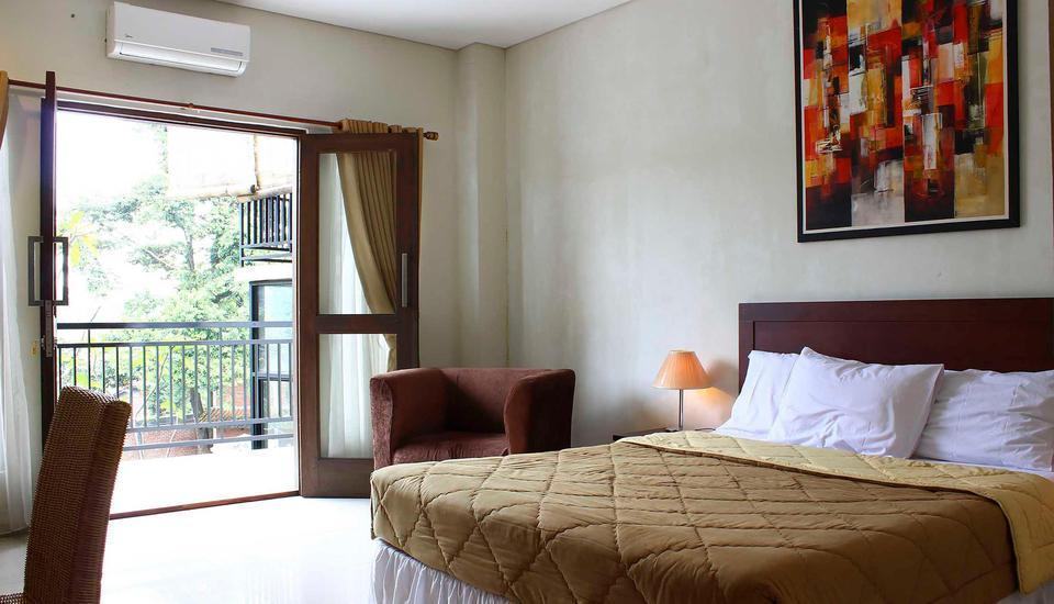 Bumi Cikeas Resort Bogor - Deluxe Balcony King - Room Only Regular Plan