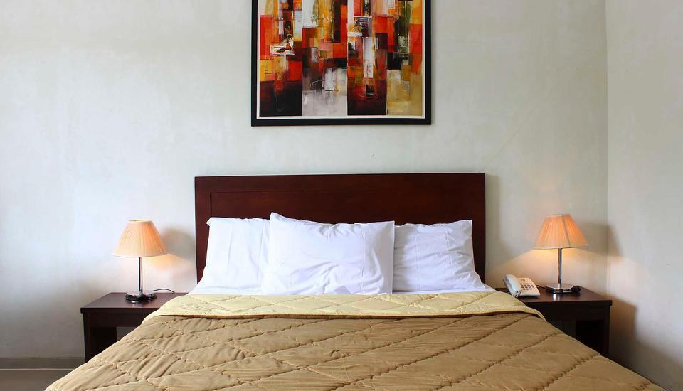 Bumi Cikeas Resort Bogor - Deluxe Balcony King Bed Regular Plan