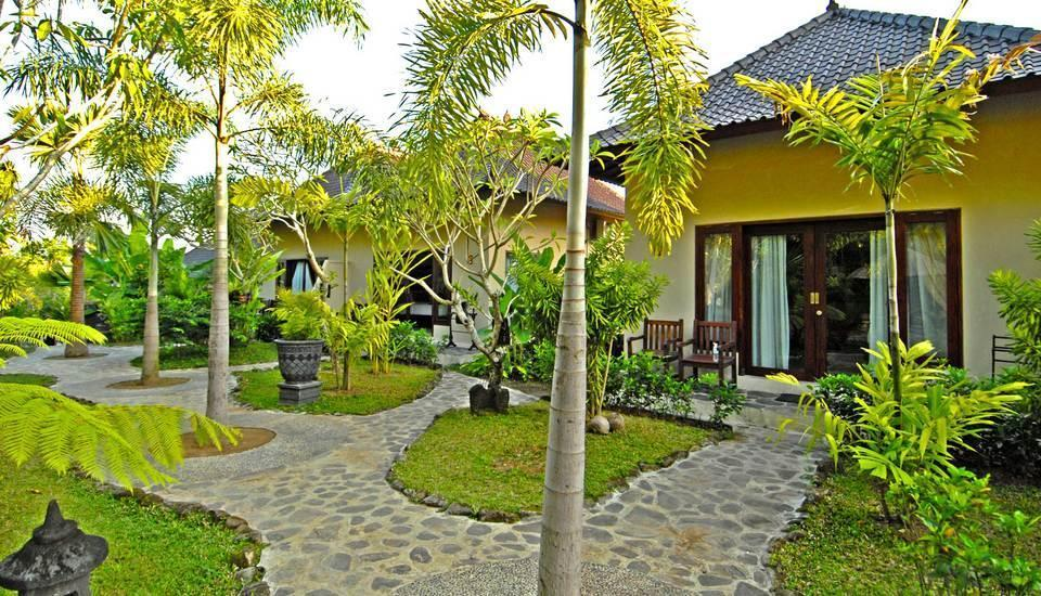 Beji Ubud Resort Bali - Deluxe Pemandangan Taman sekitarnya