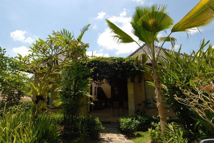 Beji Ubud Resort Bali - Ruang keluarga lingkungan
