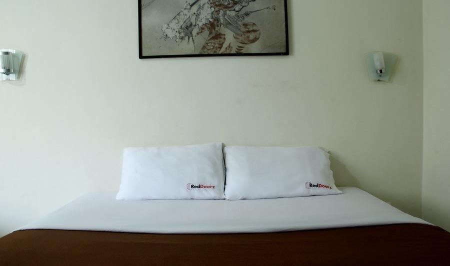 RedDoorz @Cipaku Bandung - Kamar tamu