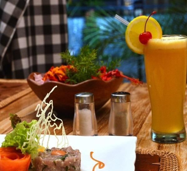 Kinaari Resort Manado - Makanan dan minuman