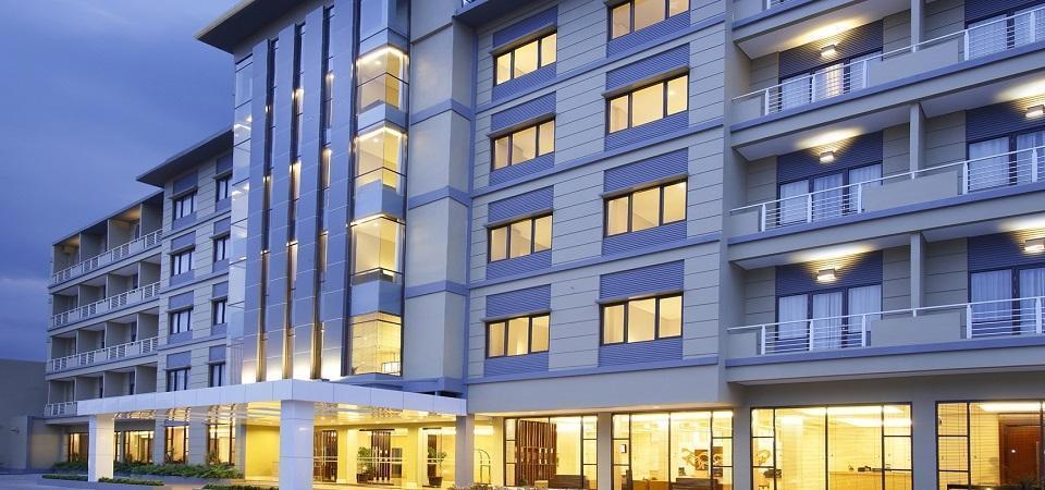 Hotel Santika  Purwokerto - Tampilan Luar Hotel