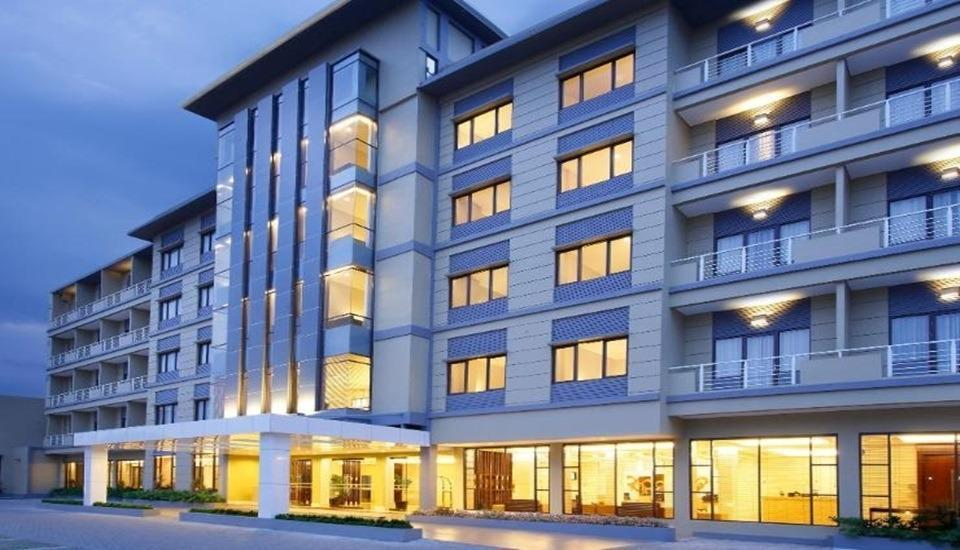 Hotel Santika  Purwokerto - Exterior