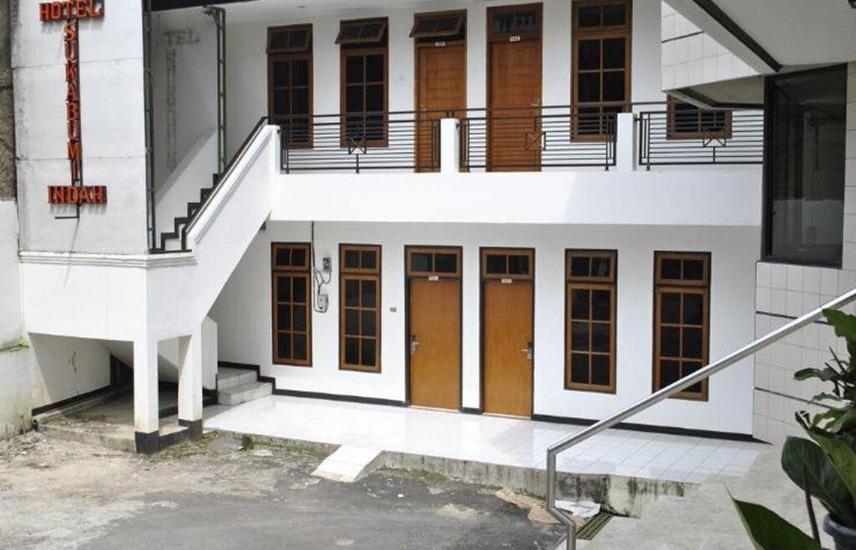 Sukabumi Indah Hotel & Restoran Sukabumi - Pemandangan Sisi