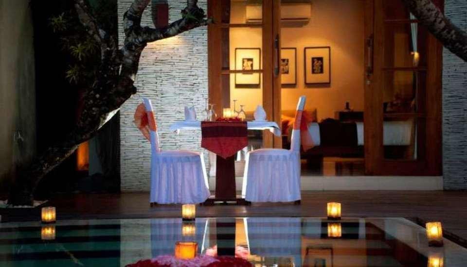 The Wolas Villas and Spa Bali - Makan malam romantis