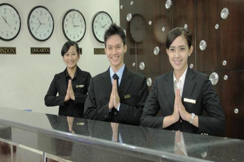 Hotel Puri Mega Jakarta - Resepsionis