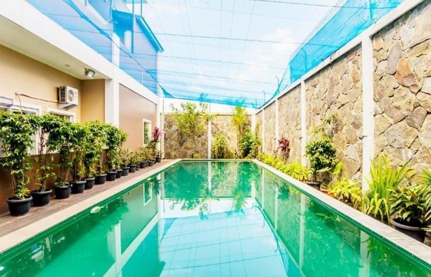 U Village Hotel Bandung Bandung - Kolam Renang