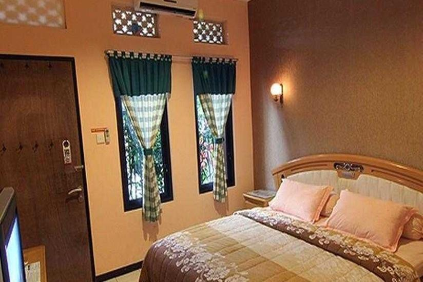 Patria Plaza Hotel Blitar - Executive Room Only Regular Plan