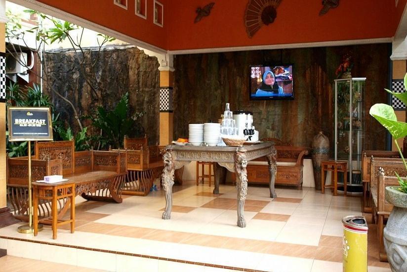 Patria Plaza Hotel Blitar - Ruang Makan