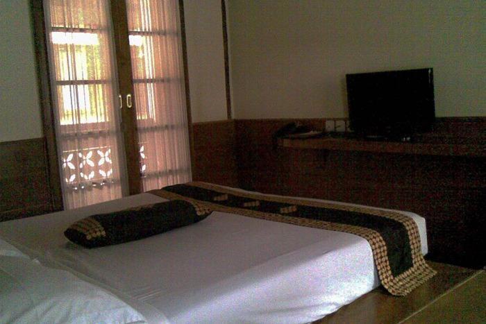 Kampung Sumber Alam Garut Garut - Villa Kawung